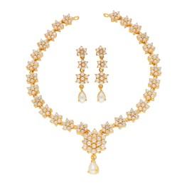 Swara Pearl Necklace